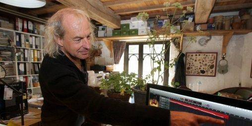 jean-thoby-presente-la-musique-des-plantes-musicales-au_3239733_1000x500
